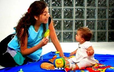 cuidadora niños a domicilio
